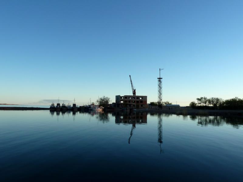 20130506. Вид на залив озера Балхаш с набережной города Балхаш.