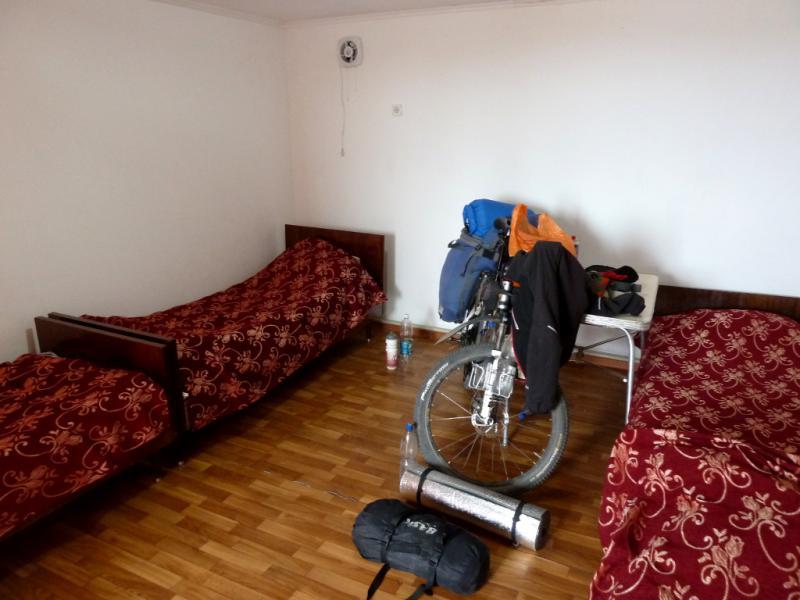 """20130509. В """"гостинице"""" под Сарышаганом."""