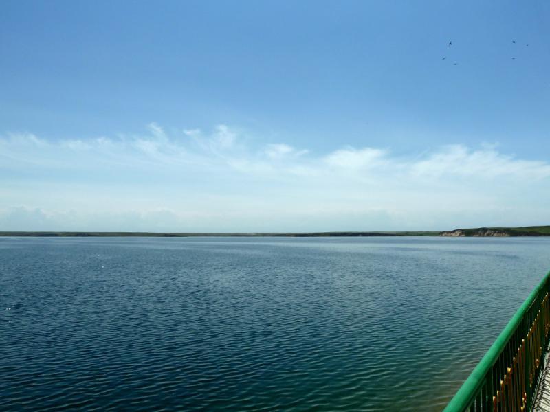 20130512. Вид с плотины на Тасуткольское водохранилище.