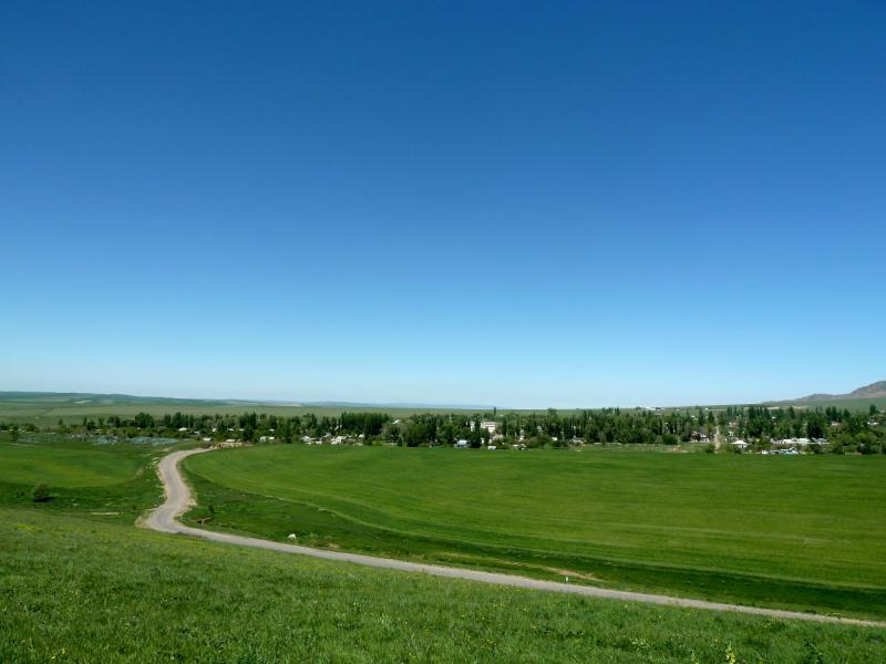 20130515. Вид с холмов на село Улькен-Сулутор (ранее Красногорка).