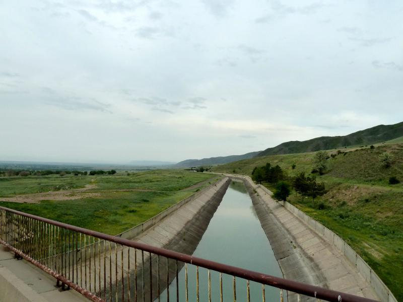 20130519. На одном из многочисленных мостов через БАК.