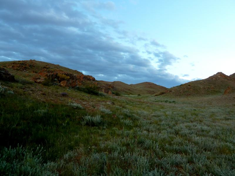 20130520. Вечерний вид с места стоянки в горах Торайгыр.