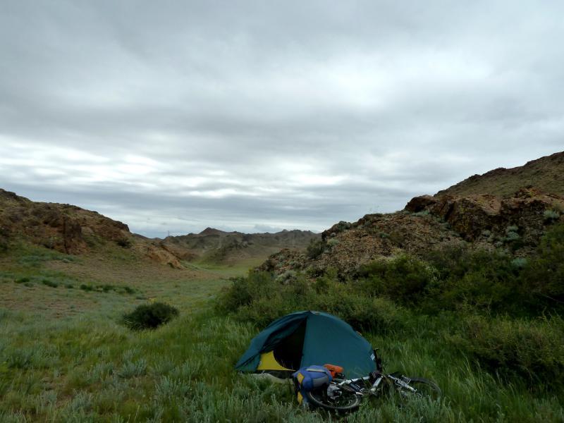 20130521. Вид на место стоянки в горах Торайгыр.