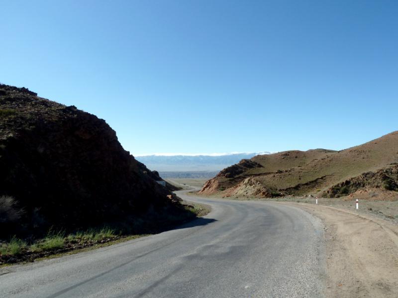 20130522. На выходе из гор Торайгыр, ввиду каньона реки Чарын.