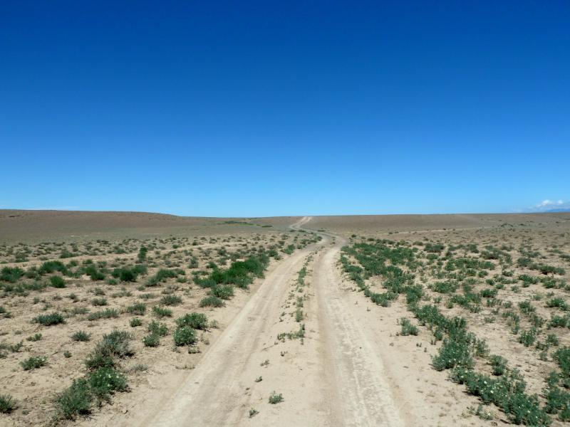 20130522. Дорога от села Аксай к Бартогайскому каньону.