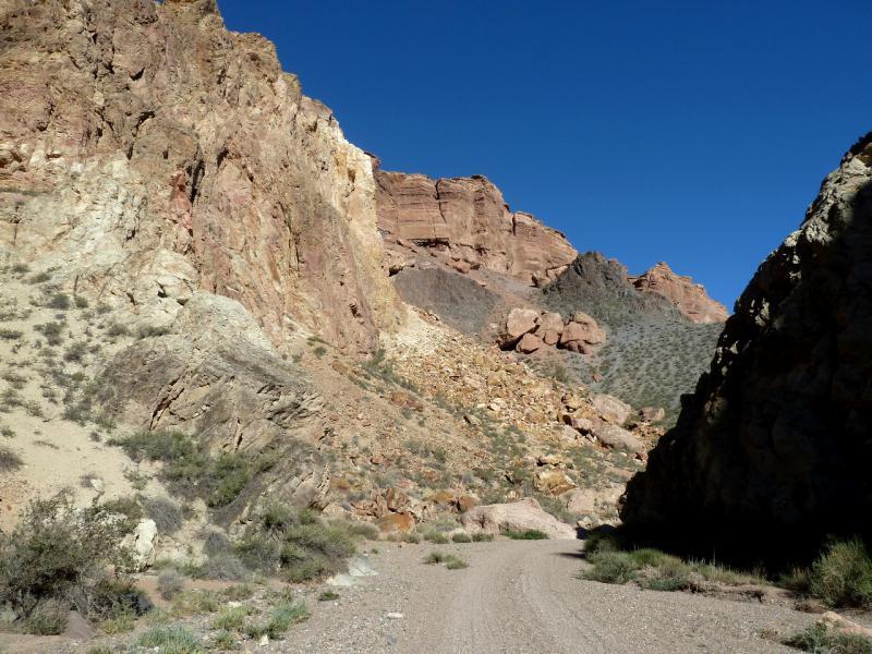 20130522. Обратной дорогой в каньоне Бартогай.