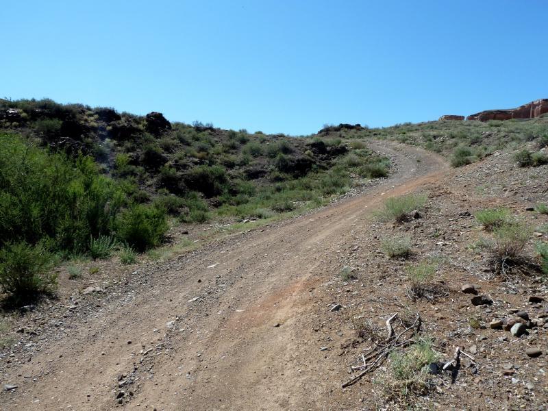 20130523. Дороги в каньоне, вдоль речки Темирлик.