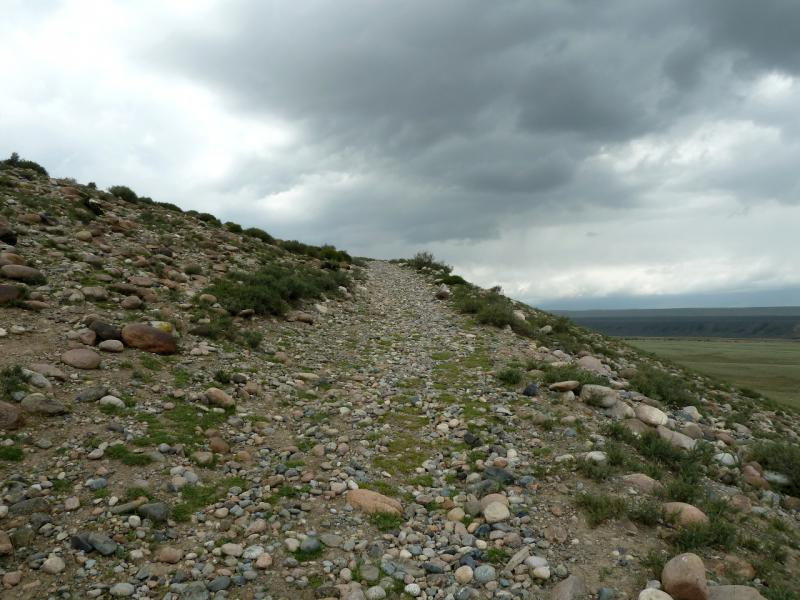 20130525. В каменистых холмах на западе от села Енбекши.