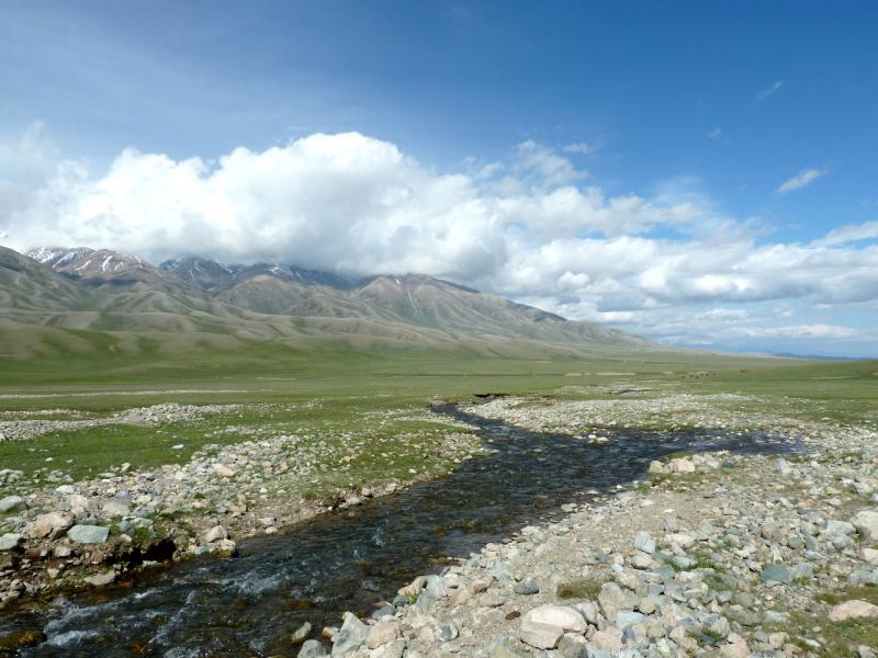 20130526. Речка Борохудзир у перевала Уйгентас.