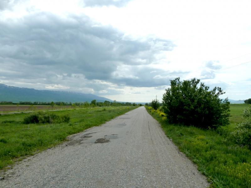 20130527. Асфальтовая дорога между сёлами Аралтобе и Шубар.