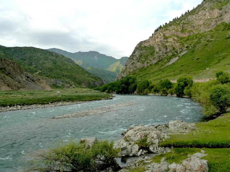 20130527. Река Коксу, вид с моста у села Коксу.
