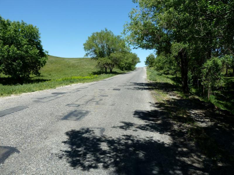 20130528. На дороге P-125, в районе села Абай.