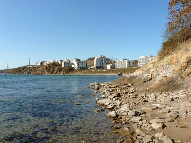 20191015. Владивосток. На береговом срезе бухты Патрокл.