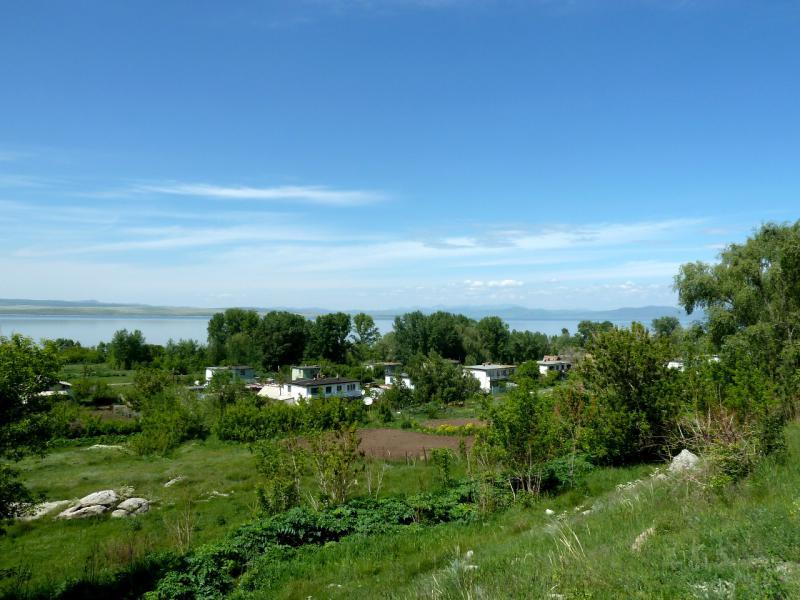 20130604. Вид с дороги на поселение Свинчатка.