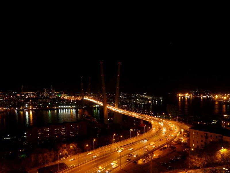 20191015. Владивосток. Ночной вид на Золотой мост бухты Золотой Рог.