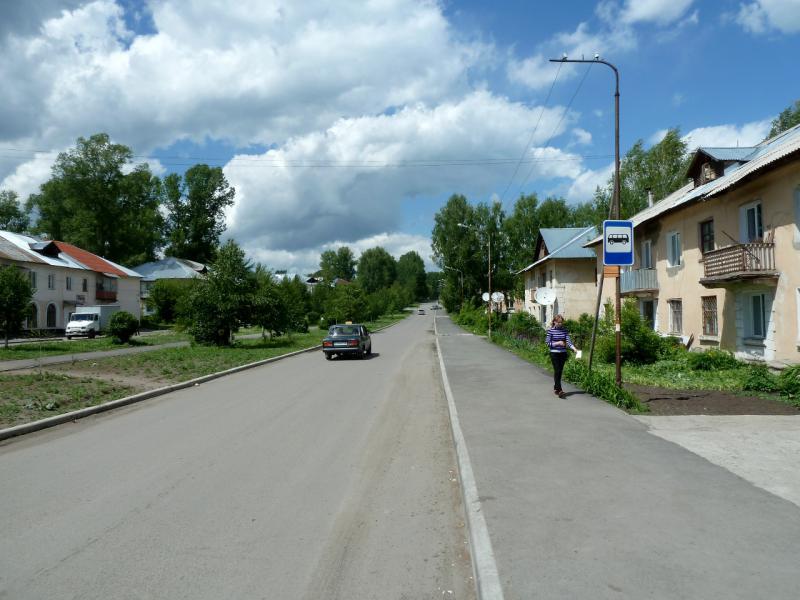 20130605. Второстепенными улочками Зыряновска.