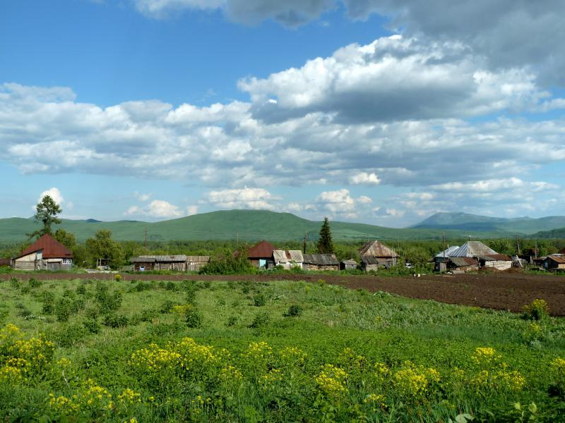"""20130605. Вид с дороги """"Зыряновск - Усть-Каменогорск"""" на село Тургусун."""