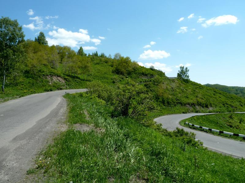 20130607. На серпантине перевала Осиновский.