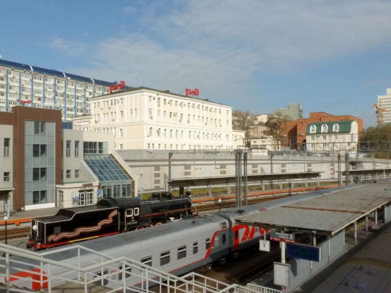 20191018. Владивосток. Перрон пассажирского железнодорожного вокзала.