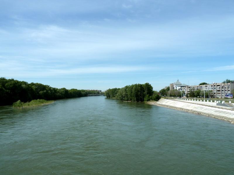 20130608. Вид с моста на реку Ульба в Усть-Каменогорске.