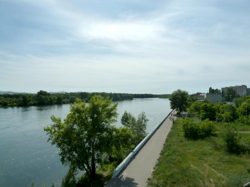 20130608. Вид с моста на реку Иртыш.