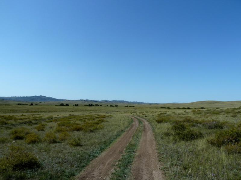 20130909. Дорога к селу Биржанколь, северными предгорьями Баянаула.