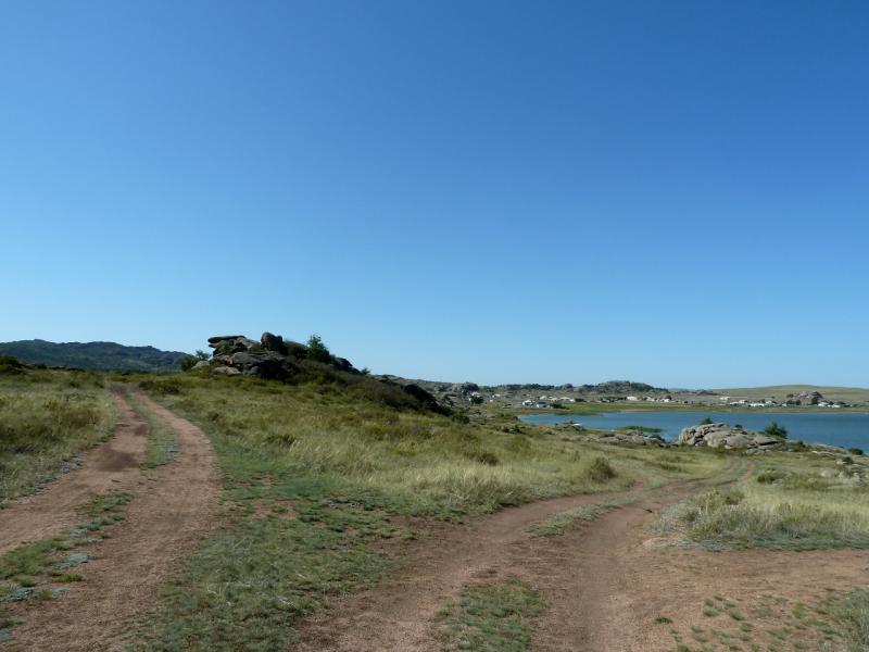 20130909. Вид с дороги на озеро и селение Биржанколь.