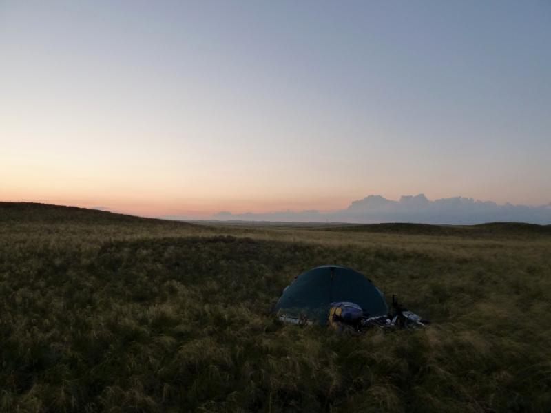 20130909. Ночная стоянка в холмах у сопки Колымшокы.