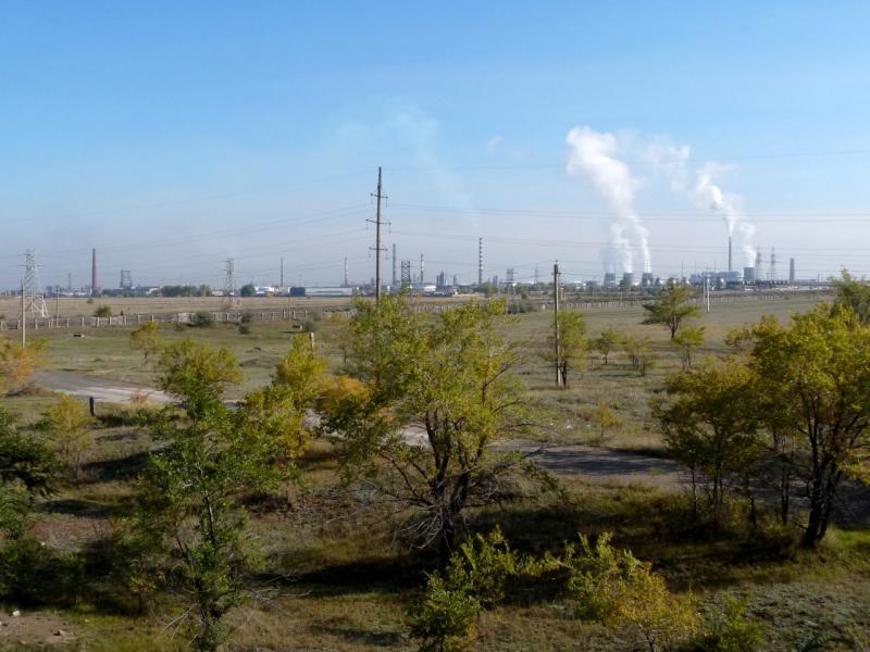 20140922. Вид с трассы M-38 на павлодарский нефтеперегонный завод.