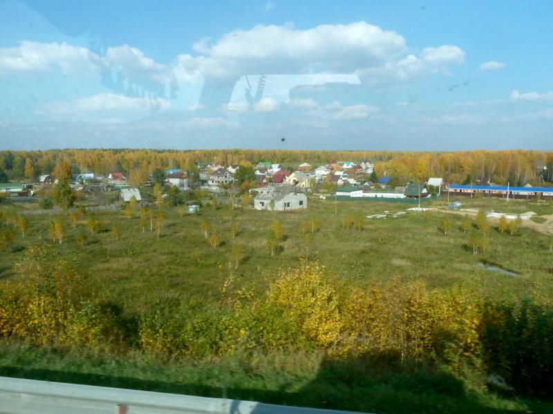 20140925. Один из многочисленных придорожных посёлков Свердловской области.