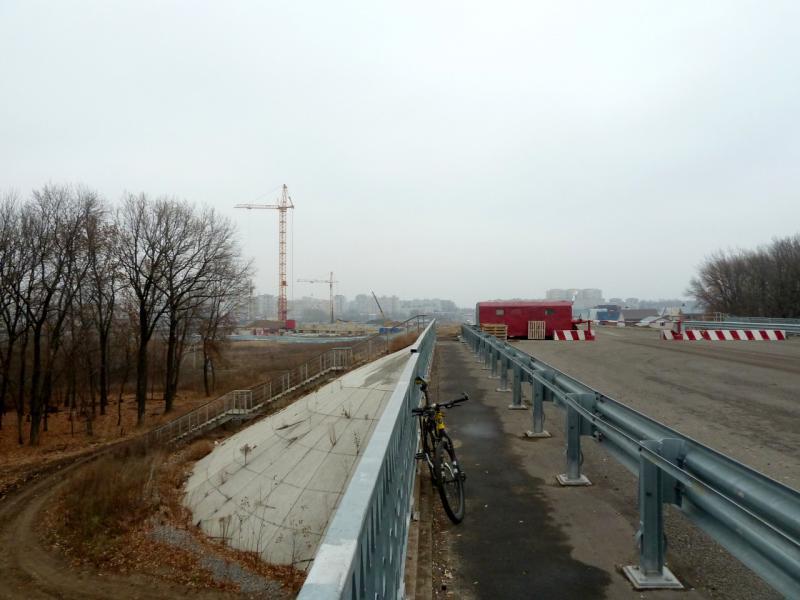 20141105. Тамбов. На мосту, продолжающем улицу Магистральную через железнодорожное полотно до района Бастионный.