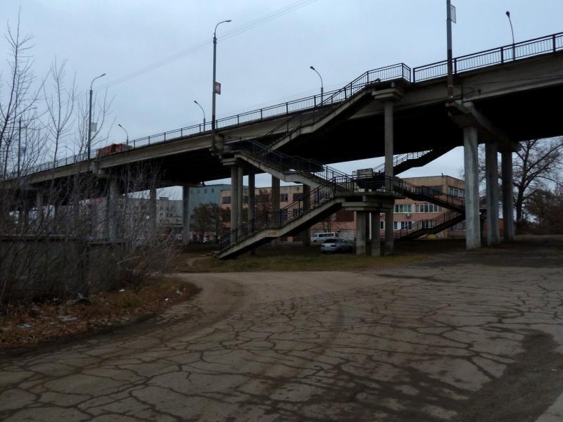 20141111. Тамбов. Мост автомобильной и железнодорожной развязки, в районе улицы Лермонтовская и Петропавловского кладбища.