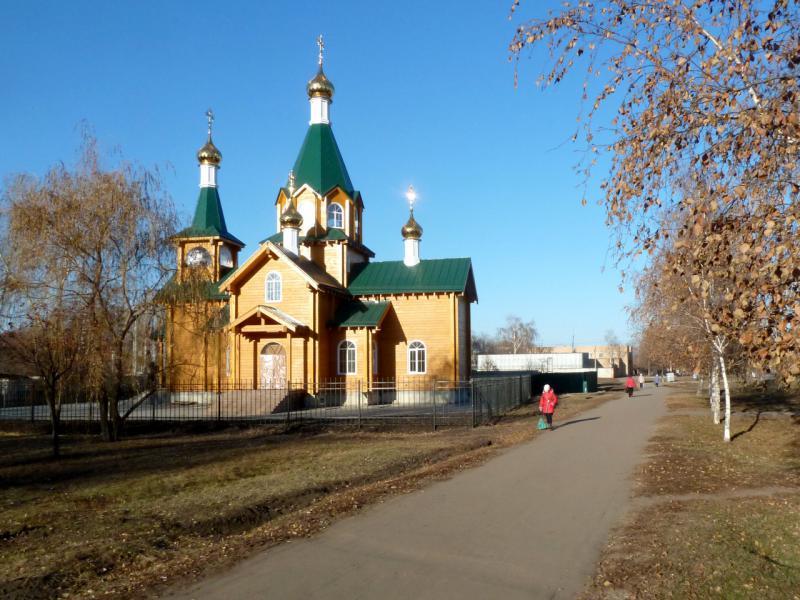 20141119. Тамбов. Свежепостроенная церквушка на Астраханской улице.