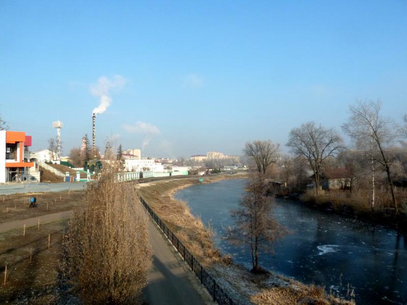 20141122. Тамбов в ноябре. Вид с пешеходного моста на канале река Цна.