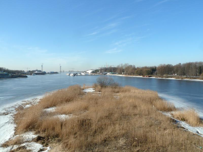 20150314. Вид на запад с Большого Петровского моста через реку Малая Невка.