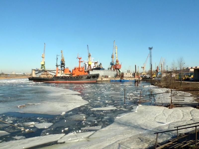20150315. Вид на гавань Канонерского судоремонтного завода.