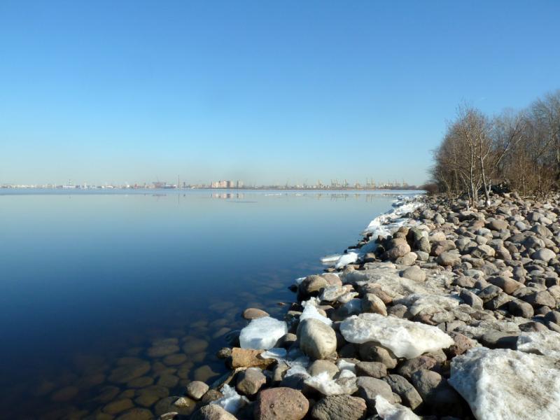 20150315. Вид на Васильевский остров и Лахту с северной косы Морского канала.