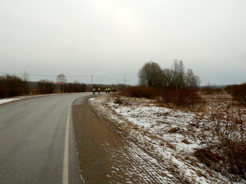 20150329. На автодороге от посёлка Мга к Сологубовке.