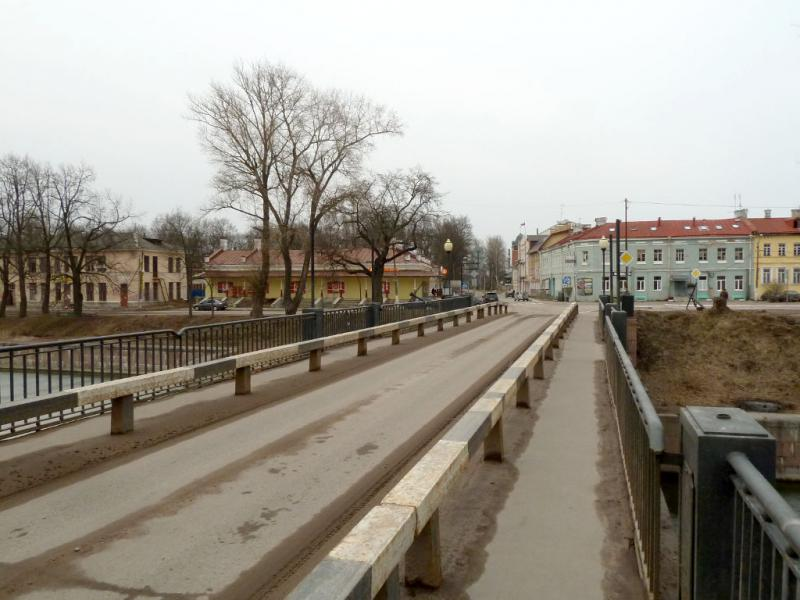 20150329. На мосту через Староладожский канал, у Красной площади, в Шлиссельбурге (вид на север).