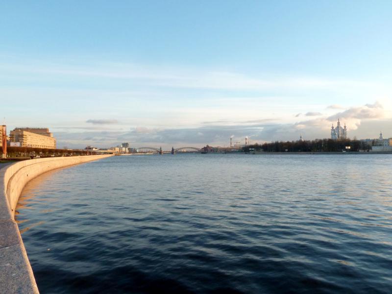 20150417. Санкт-Петербург. Вид со Свердловской набережной на Большеохтинский мост.