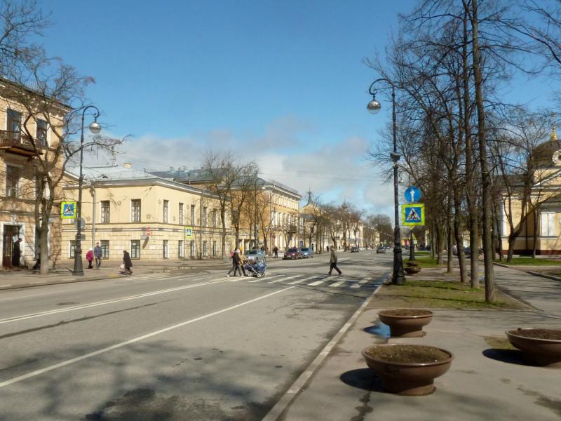 20150503. Кронштадтское. На проспекте Ленина.
