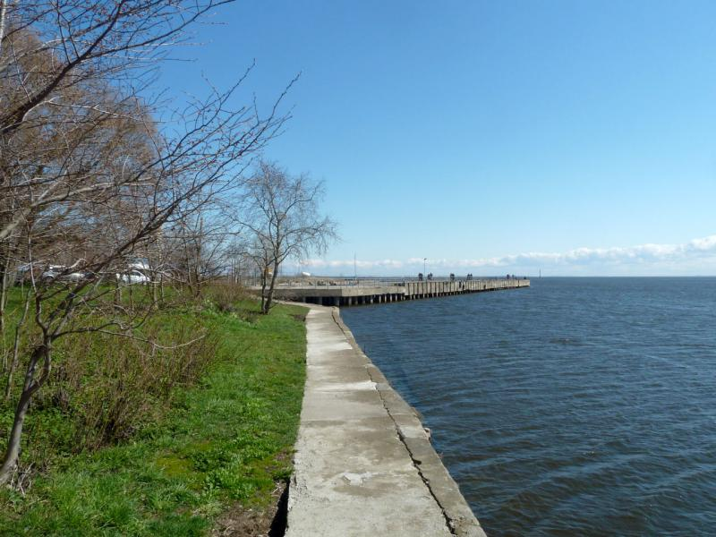 20150503. Кронштадтское. Вид на пирс городского яхт-клуба, у восточной оконечности острова Котлин.