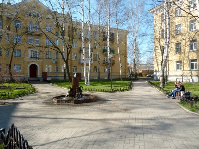 20150503. Кронштадтское. В одном из множества скверов вдоль проспекта Ленина.