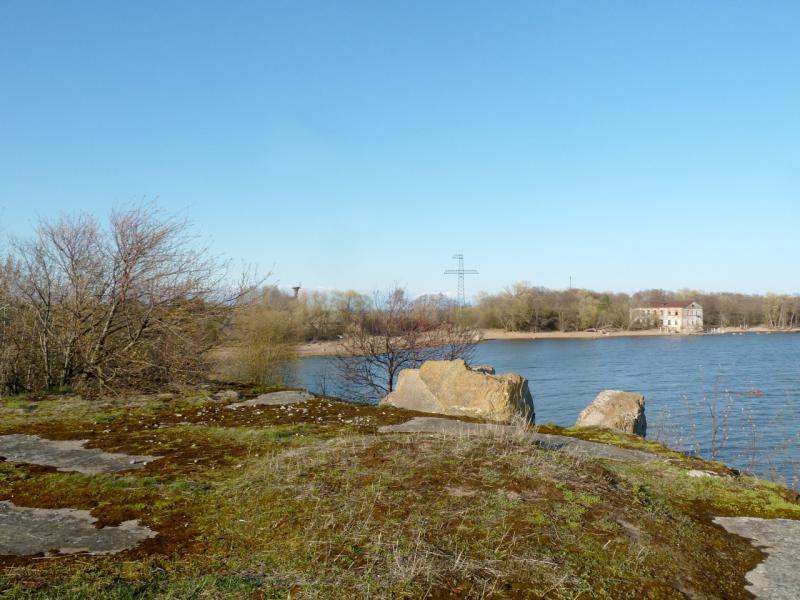 """20150503. Кронштадтское. Вид на бухту под фортом """"Риф"""", с южной его оконечности."""