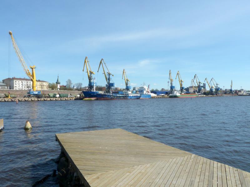 20150510. Выборг. Вид на грузовой порт города, в Южной гавани.