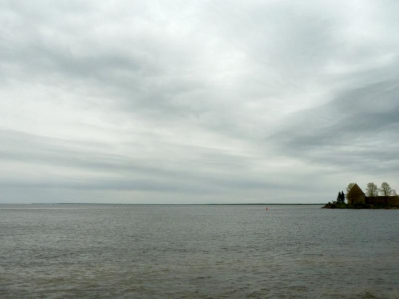 20160516. Вид на восточную оконечность Орехового острова, смотрящую в Ладожское озеро.