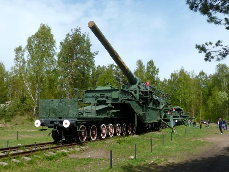"""20150524. ТМ-3-12 (транспортёр морской, тип 3, калибр 12 дюймов, 305-мм железнодорожное артиллерийское орудие образца 1938 года) у форта """"Красная Горка""""."""