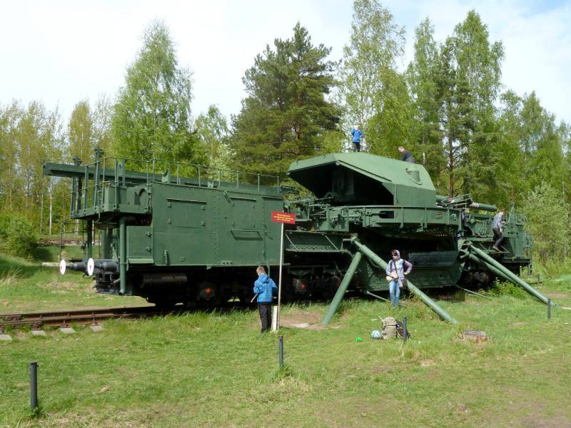 """20150524. ТМ-1-180 (транспортёр морской, тип 1, 180-мм железнодорожное артиллерийское орудие образца 1931 года) у форта """"Красная Горка""""."""