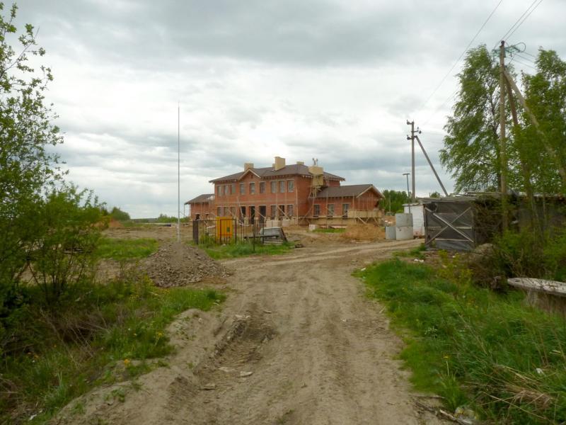 20150524. Новостройка в посёлке Верхние Веники, что под городом Ломоносов.