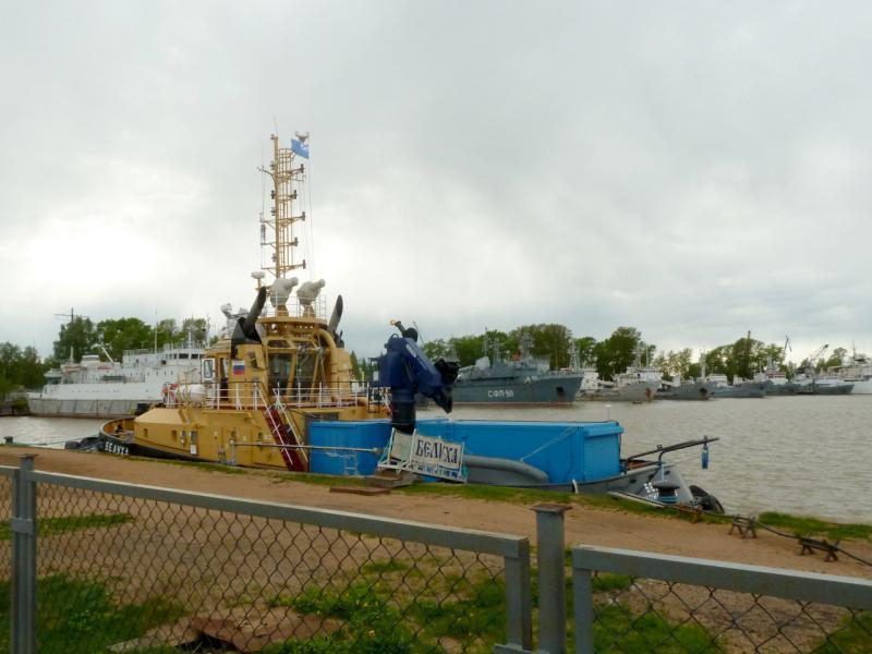 20150524. У стояночного пирса в Большом грузовом порту Санкт-Петербурга (в Ломоносове).